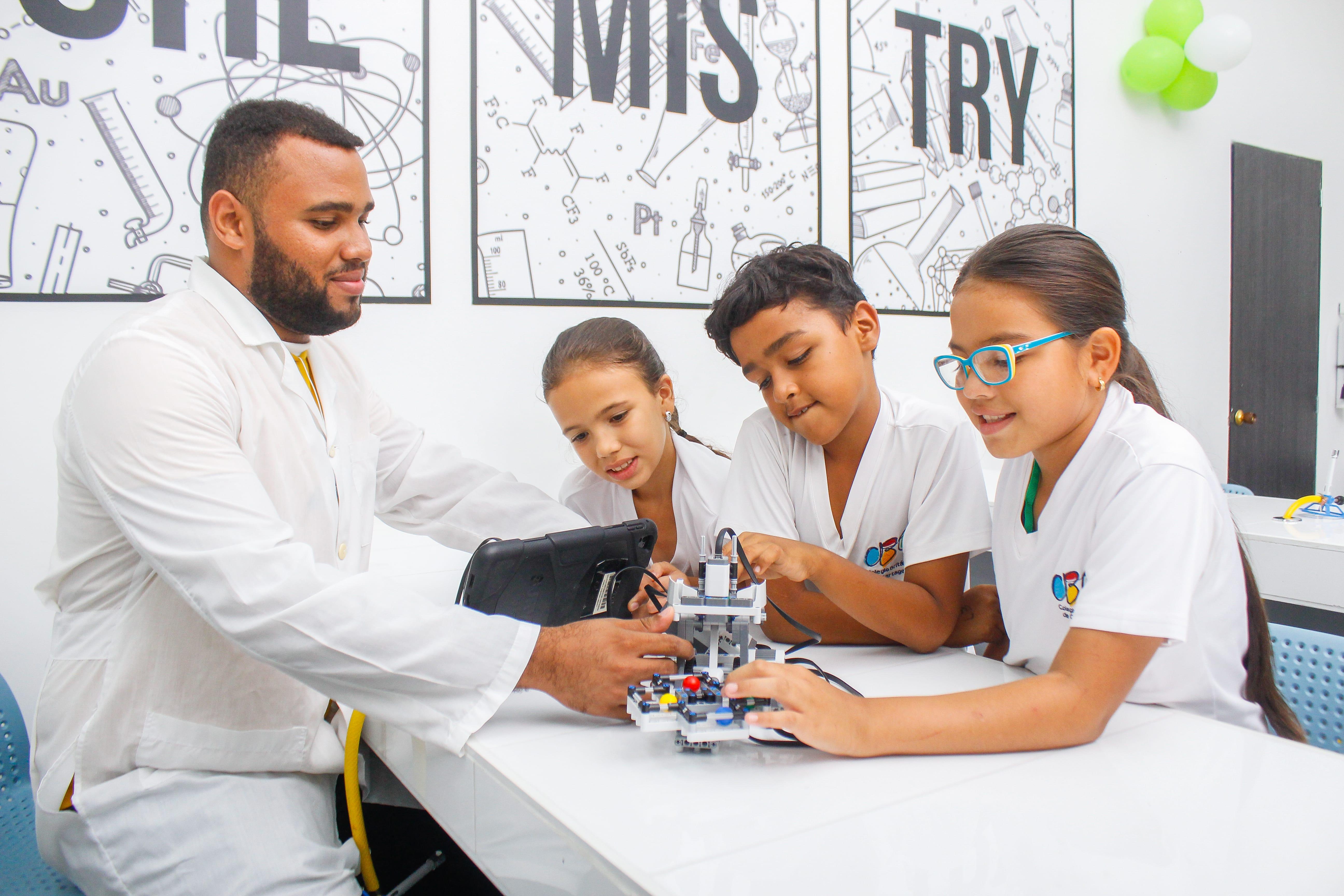 innovación colegios colombia