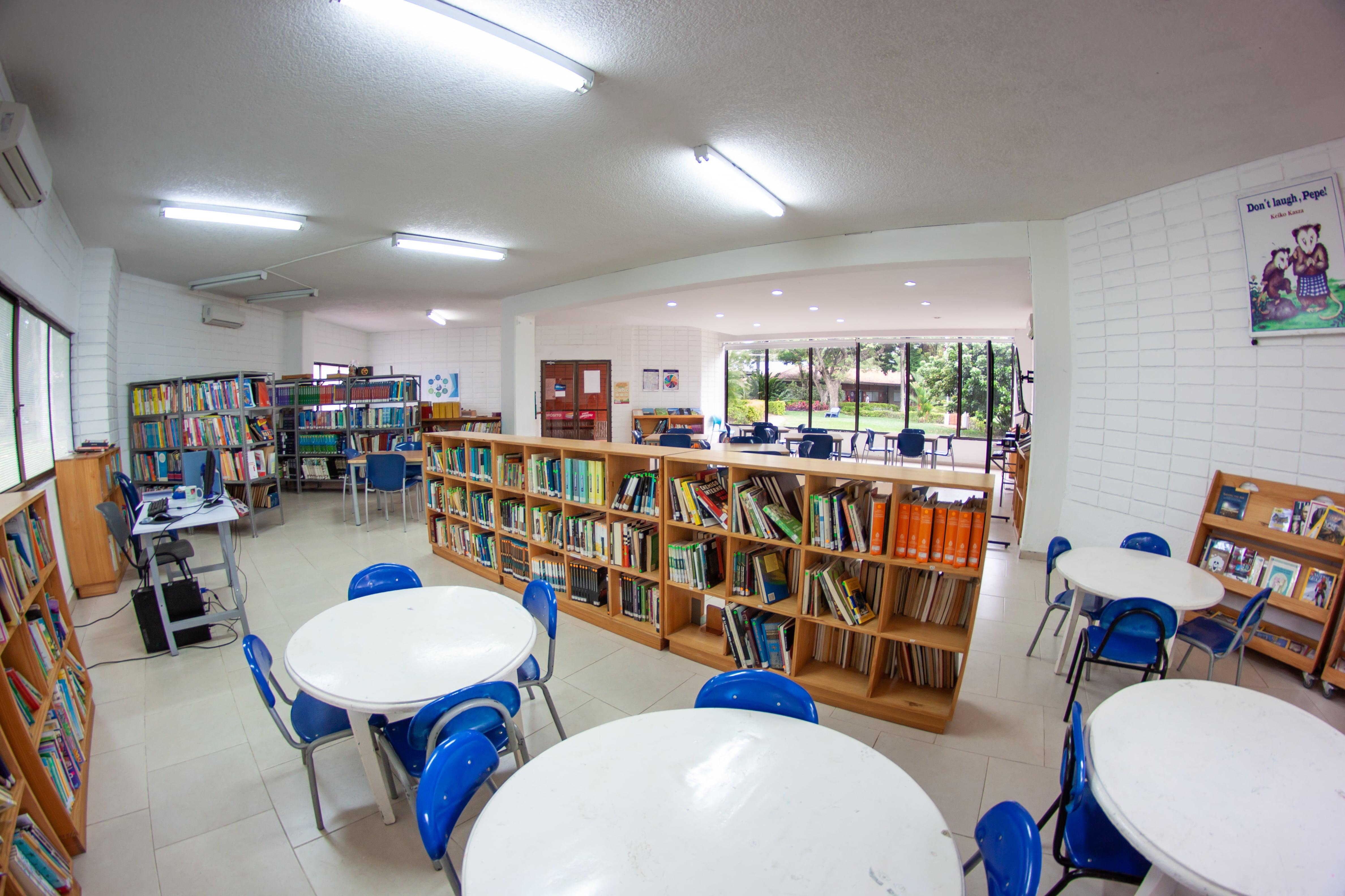 biblioteca-ranking-colegios